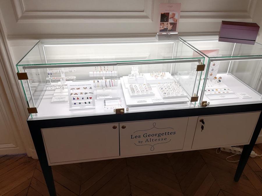 Jewelery Arrangement Jewelery Customized And Turnkey Project